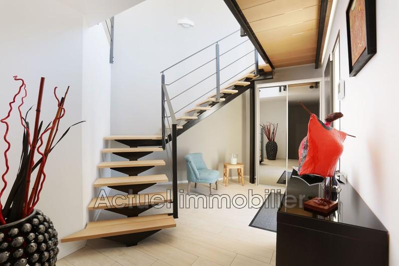 Vente maison contemporaine Aix-en-Provence COULOIR1.JPG