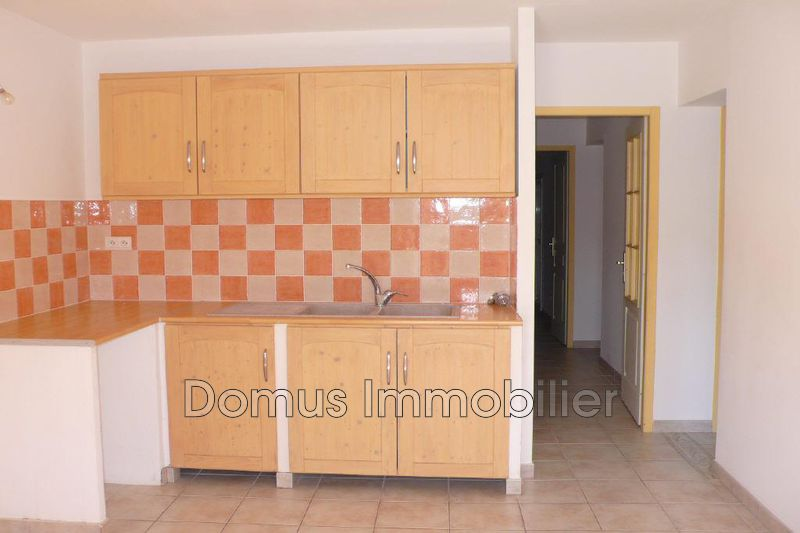 Photo Appartement Saint-Saturnin-lès-Avignon  Location appartement  3 pièces   67 m²