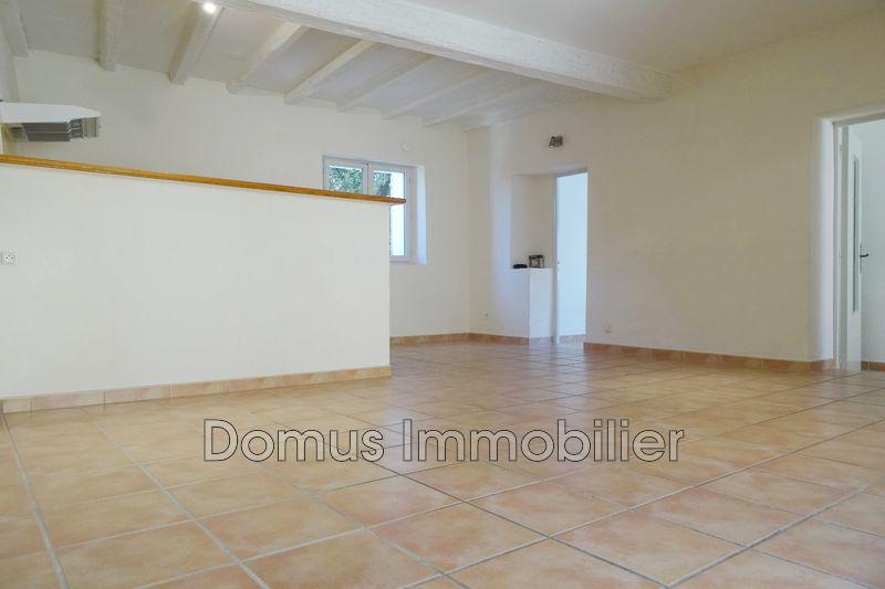 Photo Appartement Saint-Saturnin-lès-Avignon  Location appartement  2 pièces   44m²