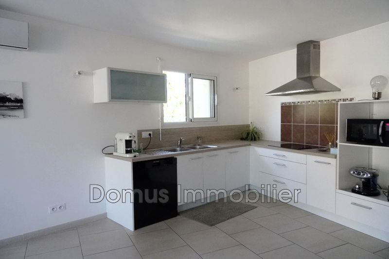 Photo Villa Saint-Saturnin-lès-Avignon Proche village,  Location villa  2 chambres   77m²