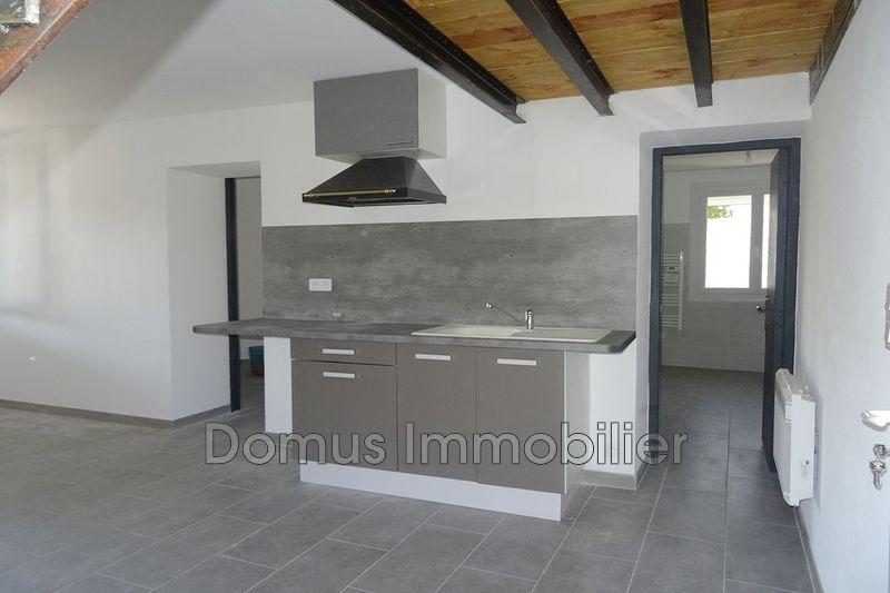 Photo Appartement Saint-Saturnin-lès-Avignon Village,  Location appartement  3 pièces   60m²