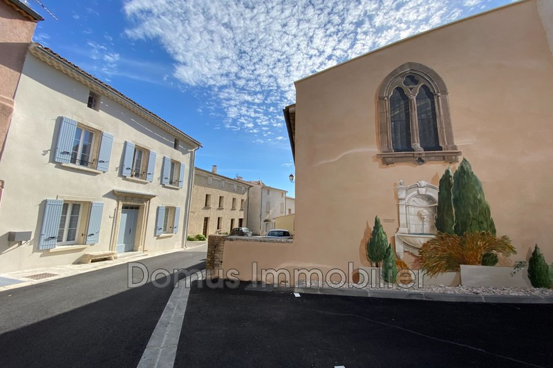 Photo Appartement Saint-Saturnin-lès-Avignon Village,  Location appartement  2 pièces   39 m²
