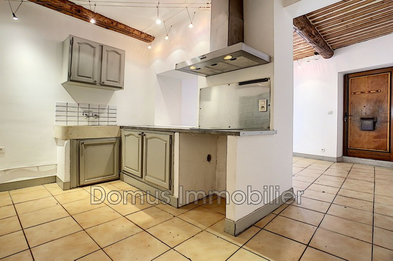 Photo Appartement Saint-Saturnin-lès-Avignon Centre-ville,  Location appartement  2 pièces   33m²