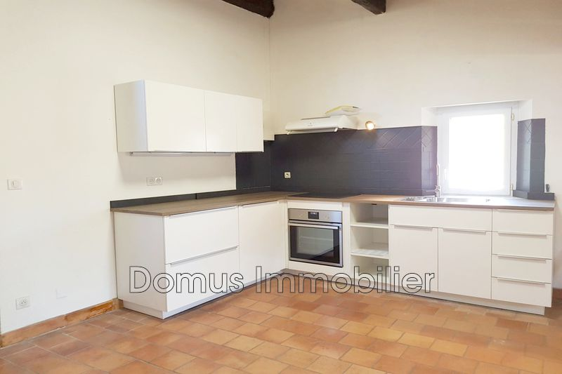 Photo Appartement Saint-Saturnin-lès-Avignon  Location appartement  3 pièces   60 m²