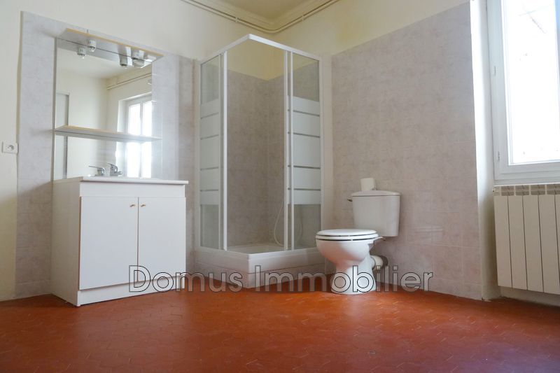Photo n°3 - Location maison de village Saint-Saturnin-lès-Avignon 84450 - 700 €