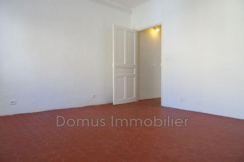 Photo n°4 - Location maison de village Saint-Saturnin-lès-Avignon 84450 - 700 €