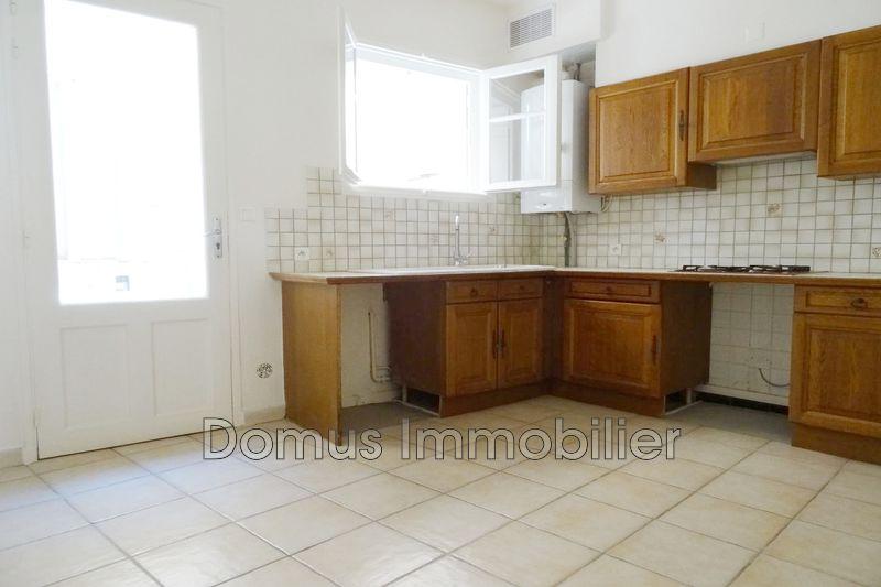 Photo n°2 - Location maison de village Saint-Saturnin-lès-Avignon 84450 - 700 €