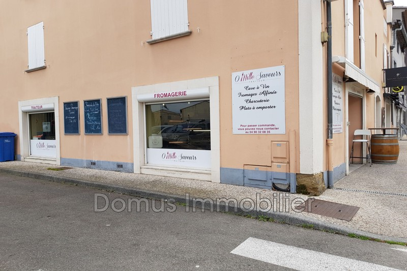 Photo Local professionnel Saint-Saturnin-lès-Avignon Centre-ville,  Professionnel local professionnel   55 m²