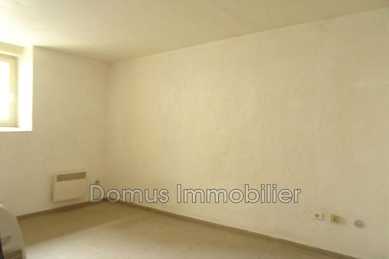 Photo n°3 - Vente appartement Caumont-sur-Durance 84510 - 60 000 €