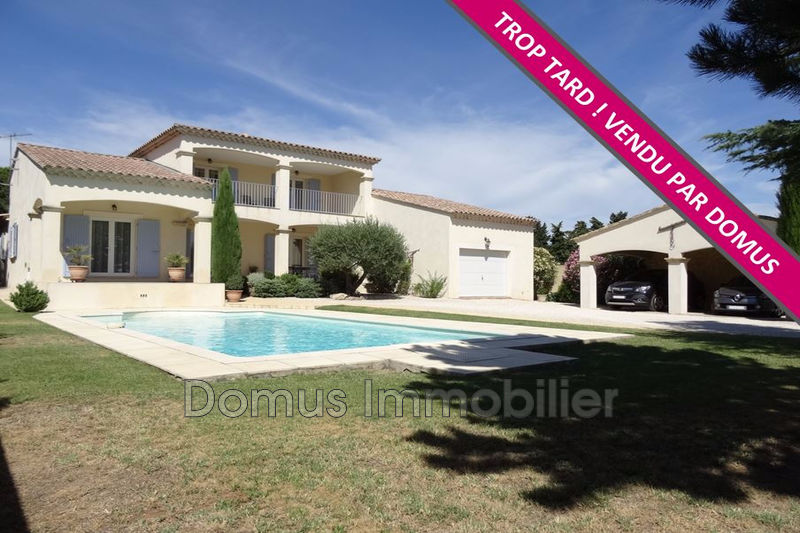 Photo Villa Saint-Saturnin-lès-Avignon   achat villa  4 chambres   205m²