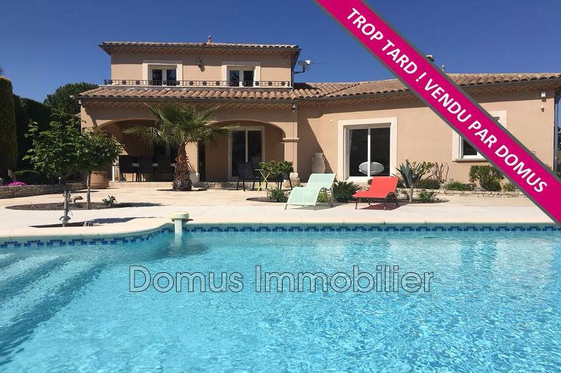 Photo Villa Saint-Saturnin-lès-Avignon   achat villa  5 chambres   180m²