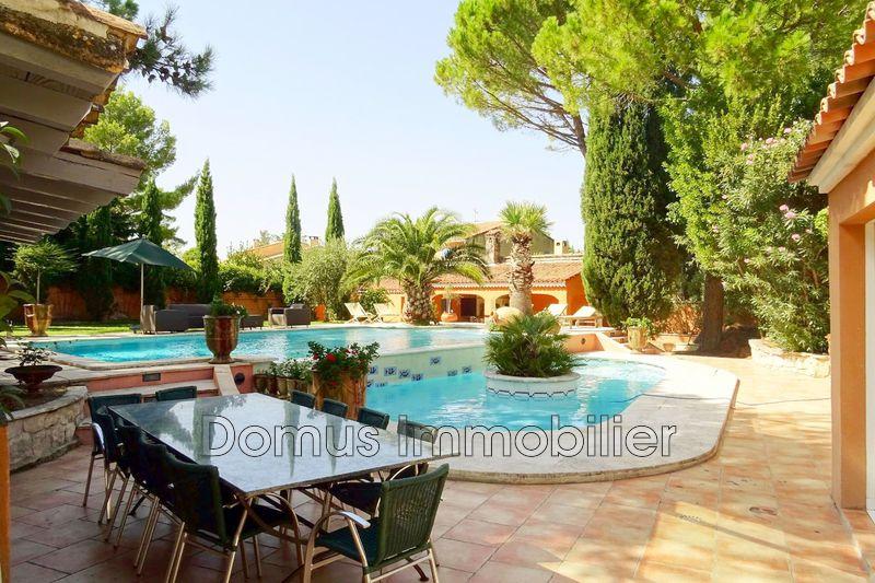 Photo Propriété Saint-Saturnin-lès-Avignon Proche village,   achat propriété  6 chambres   400m²
