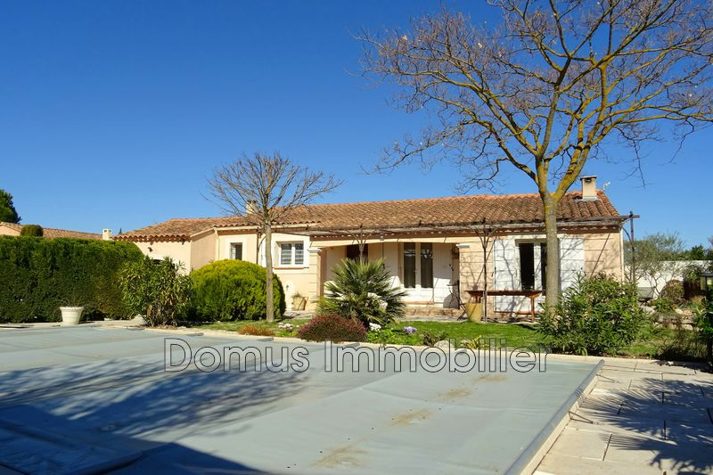 Photo Villa Saint-Saturnin-lès-Avignon Campagne,   to buy villa  3 bedrooms   105 m²
