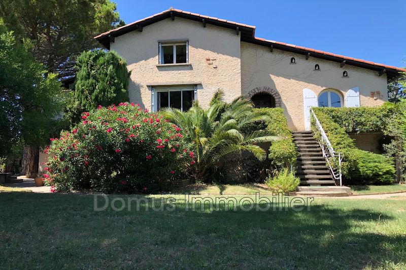 Photo Villa Saint-Saturnin-lès-Avignon   achat villa  6 chambres   200m²