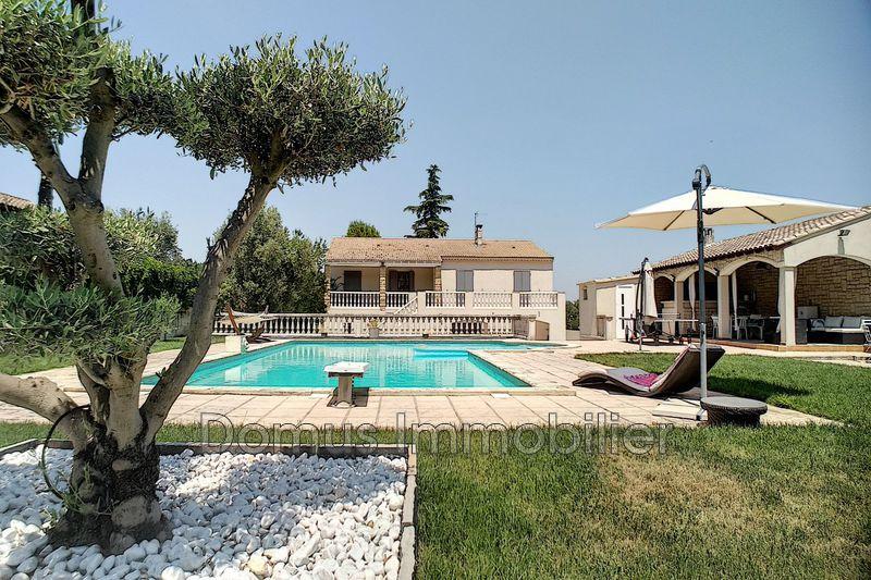 Photo Villa Saint-Saturnin-lès-Avignon Village,   achat villa  4 chambres   186m²