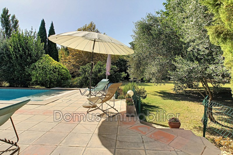 Photo Villa Saint-Saturnin-lès-Avignon   to buy villa  4 bedrooms   125 m²