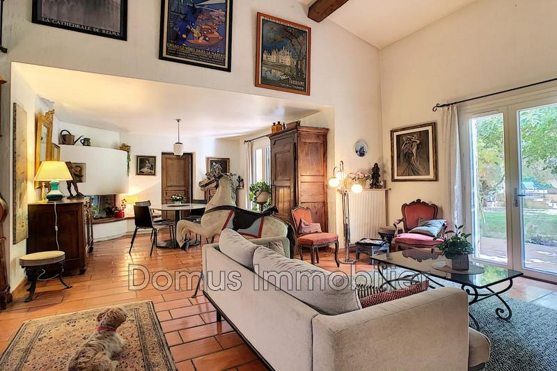 Photo Villa Saint-Saturnin-lès-Avignon   achat villa  4 chambres   118m²