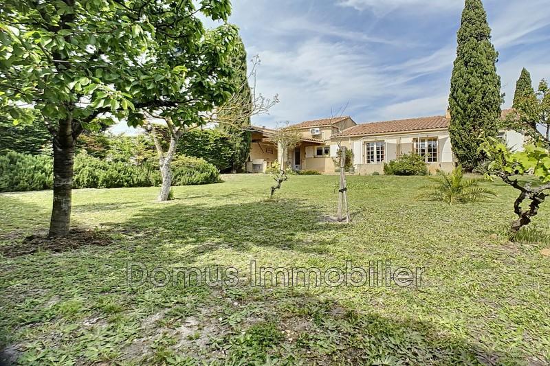 Photo Villa Saint-Saturnin-lès-Avignon Proche village,   achat villa  4 chambres   121m²