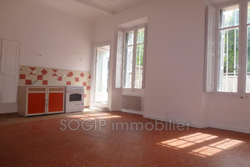 Photo Appartement Flayosc Centre-ville,  Location appartement  2 pièces   35 m²