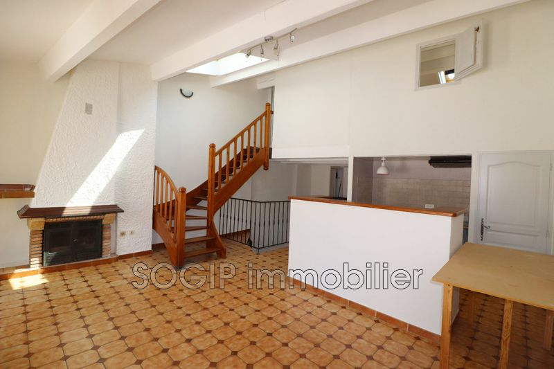 Photo Appartement Flayosc Village,  Location appartement  4 pièces   80 m²