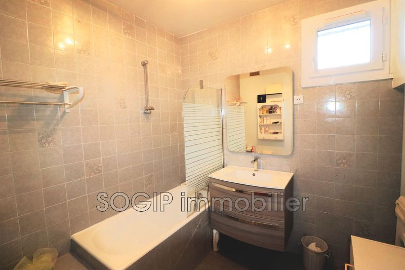 Photo n°11 - Vente maison Flayosc 83780 - 249 000 €