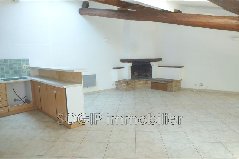 Photo Appartement Flayosc Centre village,   achat appartement  4 pièces   87 m²