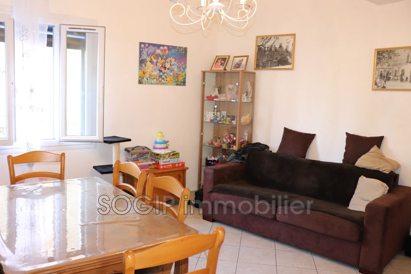 Photo Appartement Flayosc Village,   achat appartement  3 pièces   67m²