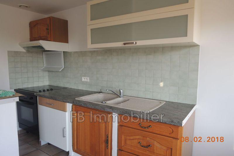 Photo n°1 - Location appartement Aureille 13930 - 480 €