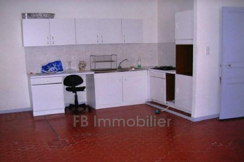 Photo n°3 - Location appartement Eyguières 13430 - 780 €