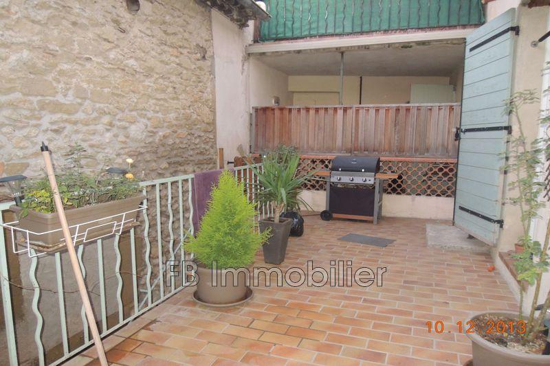 Photo Appartement Eyguières  Location appartement  3 pièces   60m²