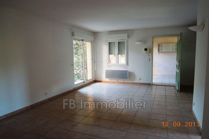 Appartement Eyguières Centre-ville,  Location appartement  3 pièces   53m²