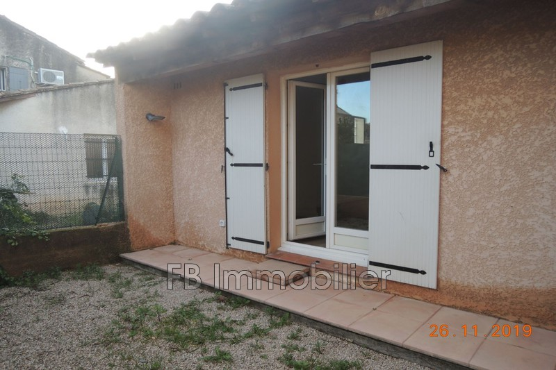 Appartement Mouriès Proche village,  Location appartement  2 pièces   34m²
