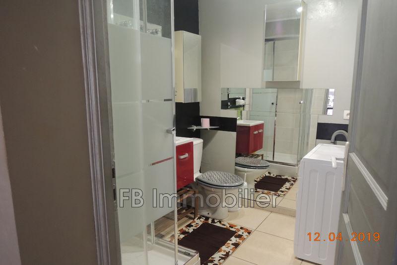 Appartement Eyguières Centre-ville,  Location appartement  1 pièce   26m²