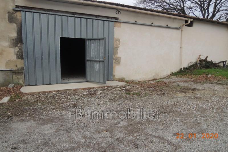 Entrepôt Eyguières Proche village,  Professionnel entrepôt   100m²