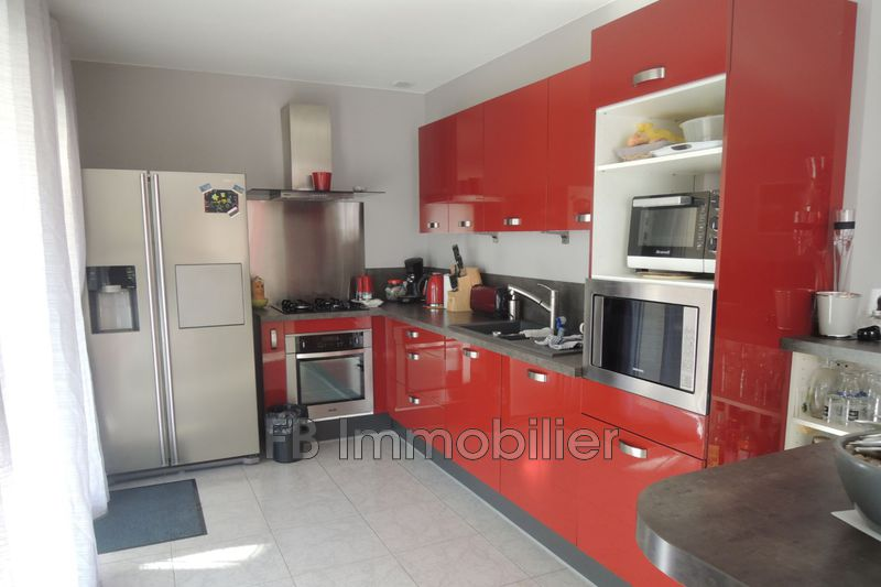 Villa Eyguières Proche village,   achat villa  4 chambres   138m²