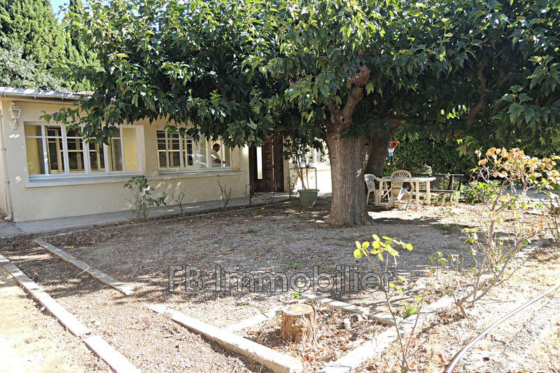 Villa Eyguières   achat villa  4 chambres   72m²