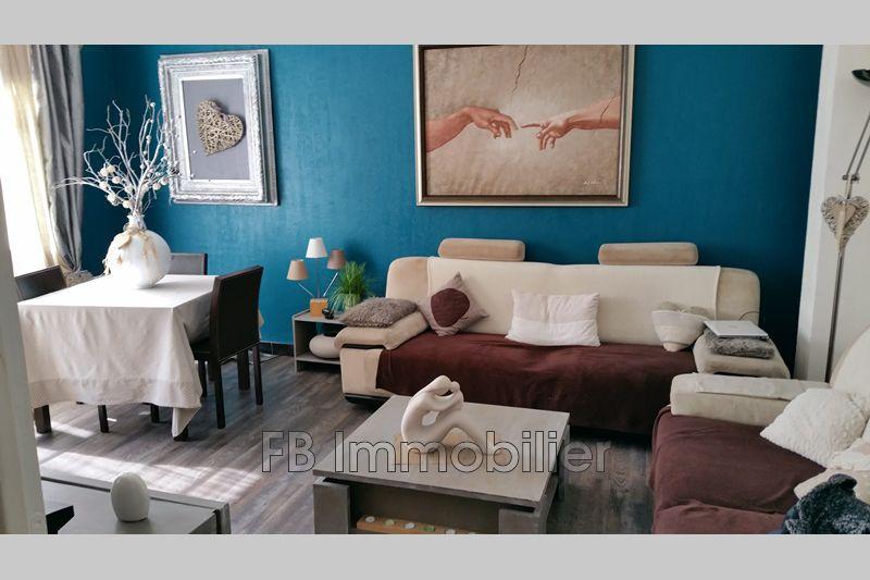 Appartement Eyguières   achat appartement  4 pièces   92m²