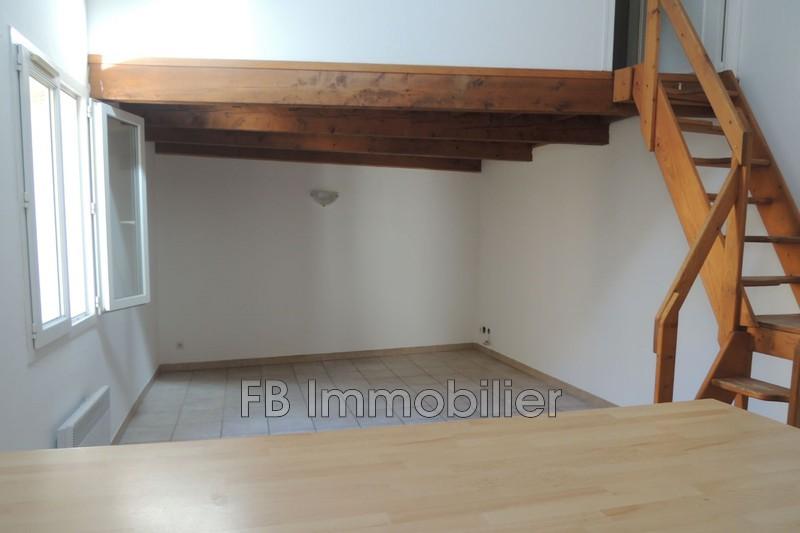 Appartement Eyguières Village,   achat appartement  3 pièces   55m²