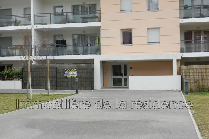 Photo Appartement Saint-Chamas  Location appartement  1 pièce   25m²