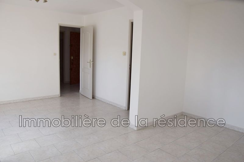 Photo Appartement Marignane Logement 4,  Location appartement  3 pièces   58 m²