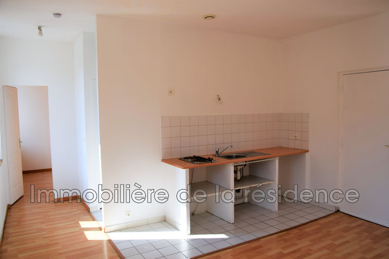 Photo Apartment Les Pennes-Mirabeau Logement 1,  Rentals apartment  2 rooms   40 m²