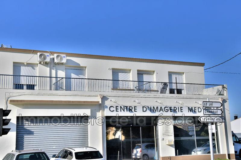 Photo Appartement Marignane Centre-ville,  Location appartement  1 pièce   32m²