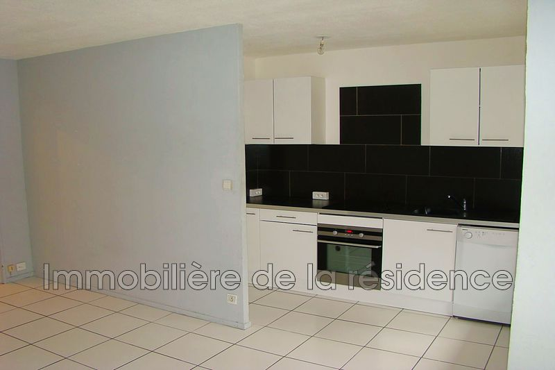 Photo Appartement Marignane Signore,  Location appartement  1 pièce   31 m²