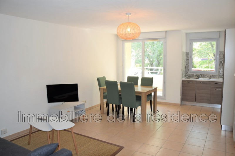 Photo Appartement Vitrolles Les bords du lac,  Location appartement  2 pièces   47 m²