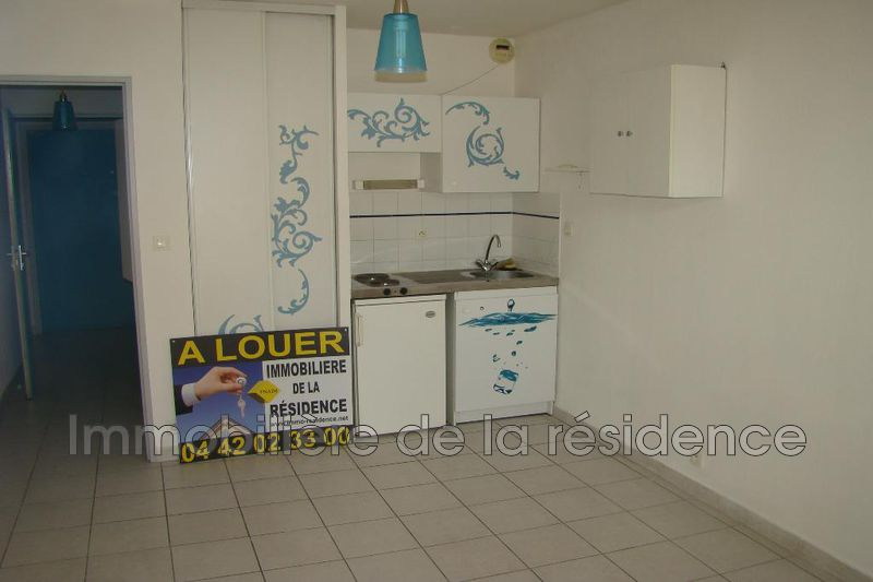Photo Studio Marseille Hopital de la timone,  Location studio  1 pièce   18 m²