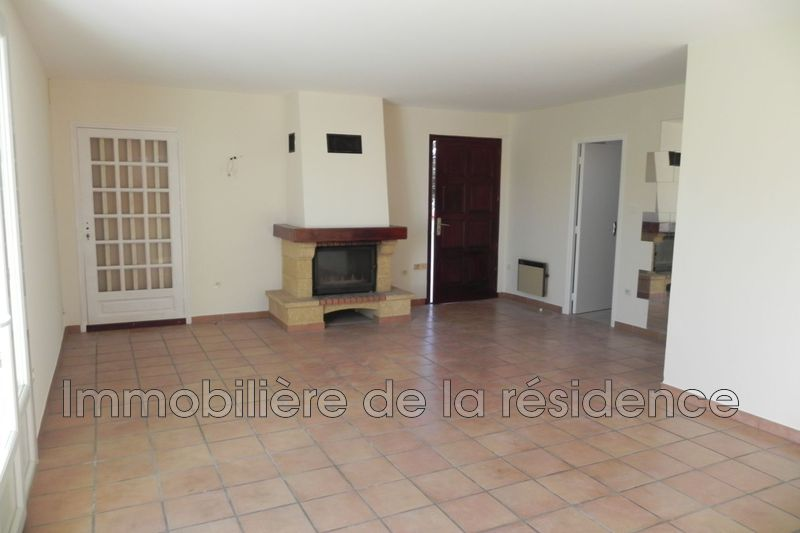 Photo Appartement Marignane Avenue du 8 mai,  Location appartement  2 pièces   45 m²