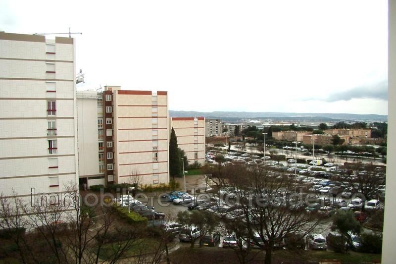 Photo Appartement Vitrolles Centre-ville,  Location appartement  3 pièces   67m²