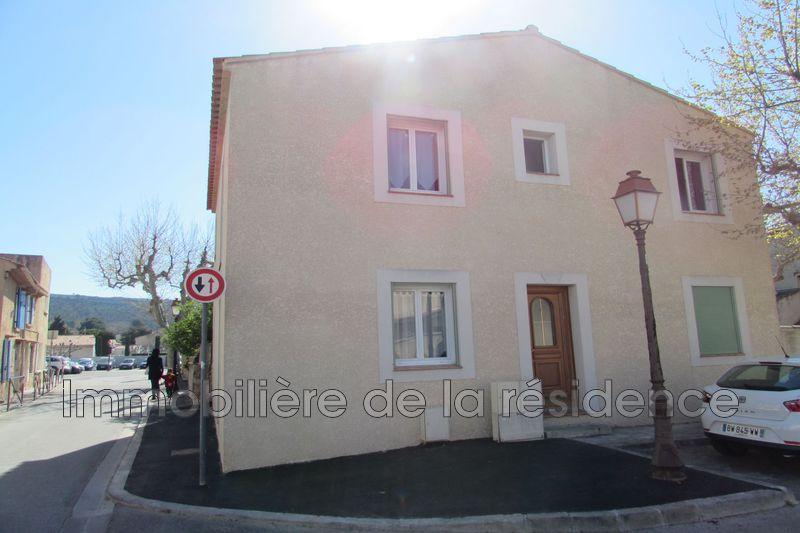 Photo Appartement Rognac Centre-ville,  Location appartement  1 pièce   29m²