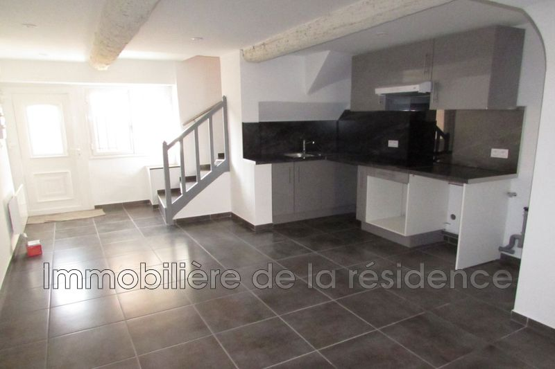 Photo Maison de village Rognac Centre-ville,  Location maison de village  1 chambre   59m²
