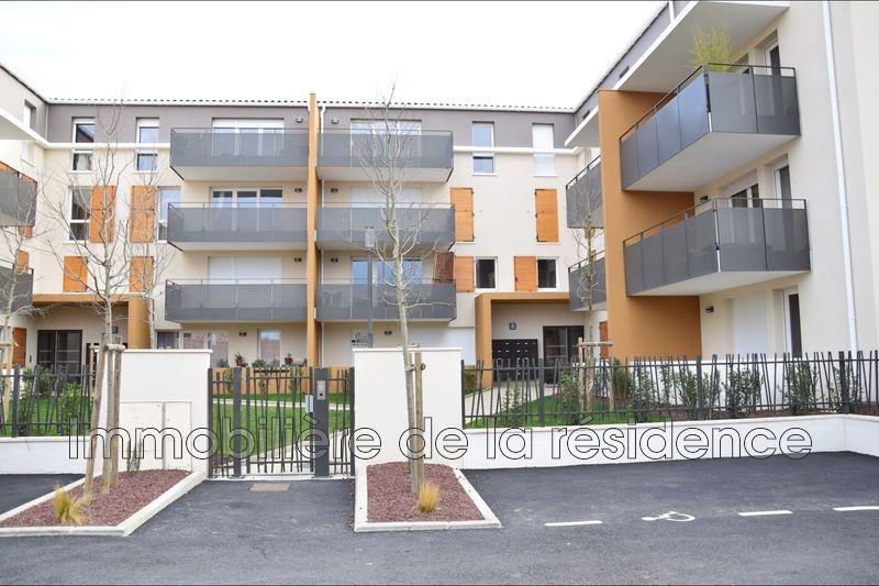 Photo Appartement Istres  Location appartement  3 pièces   61m²